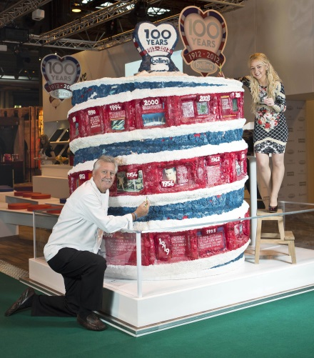Brian Turner and Connie Viney with Bellings 100 year cake 440
