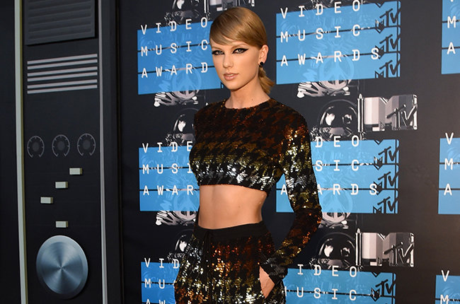 LOS ANGELES, CA - AUGUST 30:  Recording artist Taylor Swift attends the 2015 MTV Video Music Awards at Microsoft Theater on August 30, 2015 in Los Angeles, California.  (Photo by Larry Busacca/Getty Images)